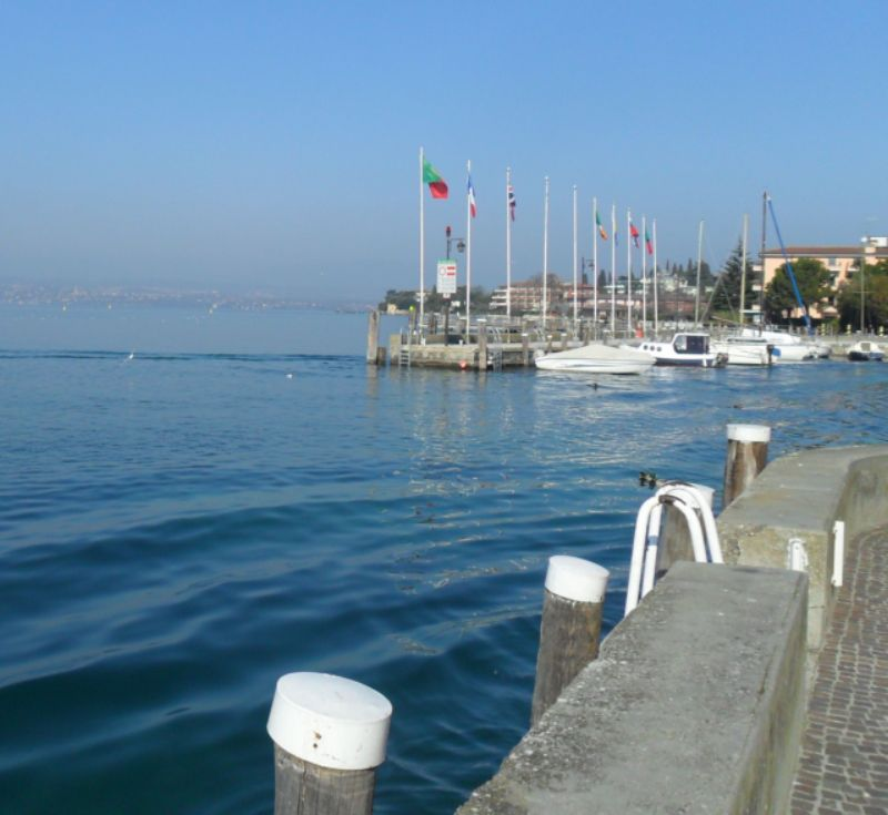 Surroundings Location Apartment 69665 Sirmione