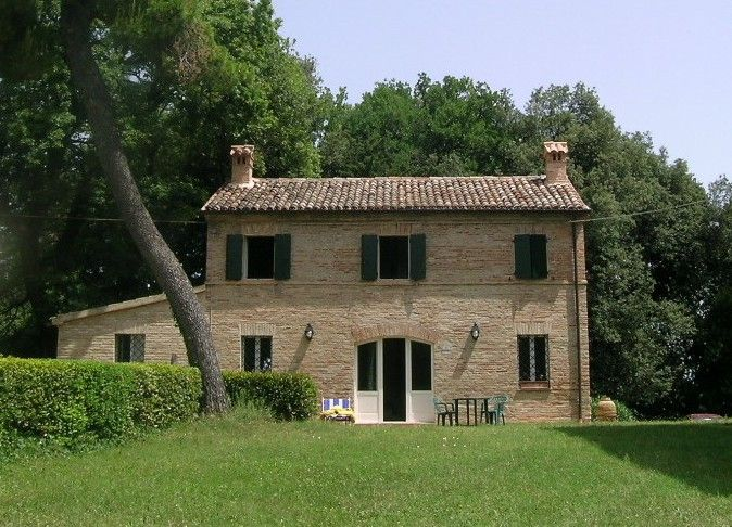 View of the property from outside Location Villa 71799 Osimo