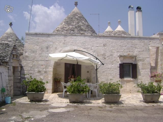 View of the property from outside Location Chalet 16444 Alberobello