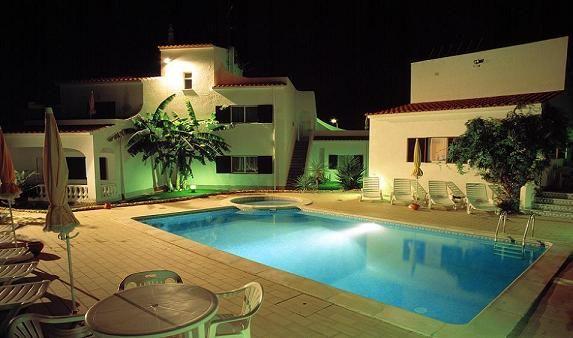 Swimming pool Location Apartment 21335 Lagos