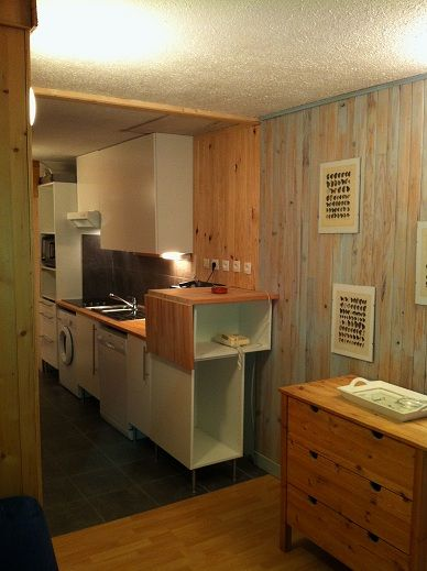 Open-plan kitchen Location One-room apartment 2134 La Plagne