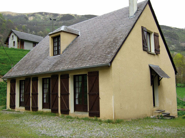 View of the property from outside Location Villa 29390 Luchon Superbagneres