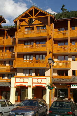 View of the property from outside Location One-room apartment 39003 Valfréjus