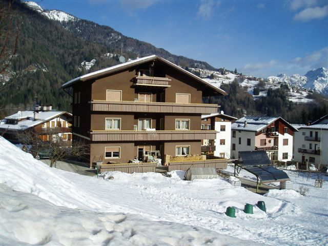 View of the property from outside Location Apartment 40563 Cortina d'Ampezzo