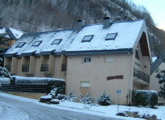 View of the property from outside Location One-room apartment 4058 Cauterets