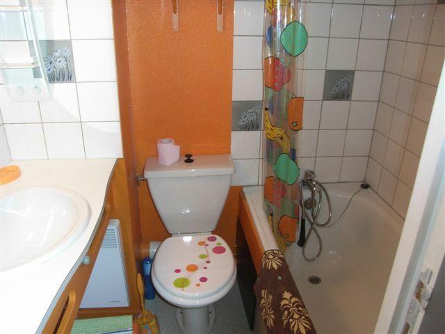 bathroom Location One-room apartment 50254 Piau Engaly