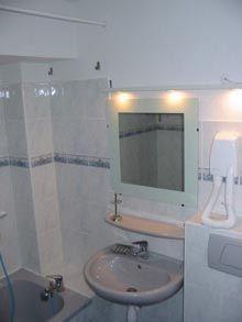 bathroom Location One-room apartment 536 Arvieux en Queyras