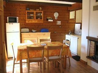 Open-plan kitchen Location Apartment 75582 Ch�tel