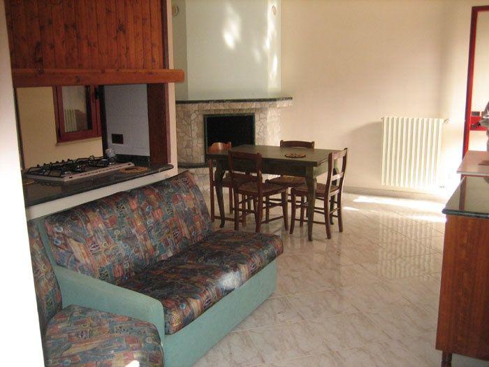 Open-plan kitchen Location Villa 85621 Ugento - Torre San Giovanni