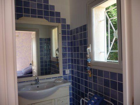Half bath 3 Location Villa 85005 Sainte Maxime