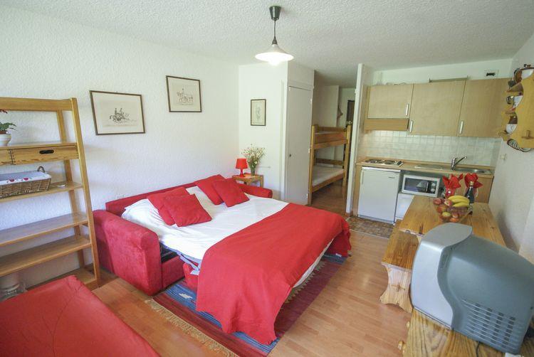 Location One-room apartment 98347 Montgenevre