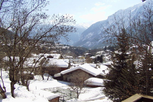 View from the balcony Location Apartment 83072 Courmayeur