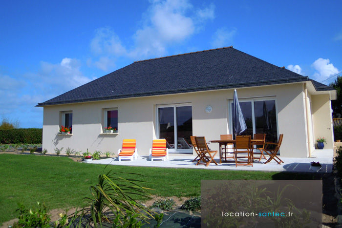 View of the property from outside Location House 80297 Roscoff