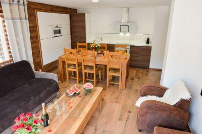Open-plan kitchen Location Apartment 107322 Valloire