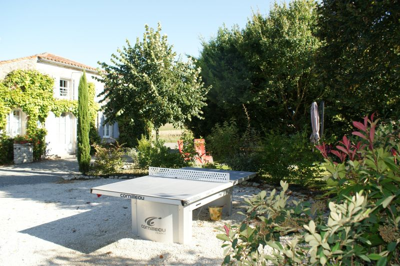Garden Location Vacation rental 108187 La Rochelle