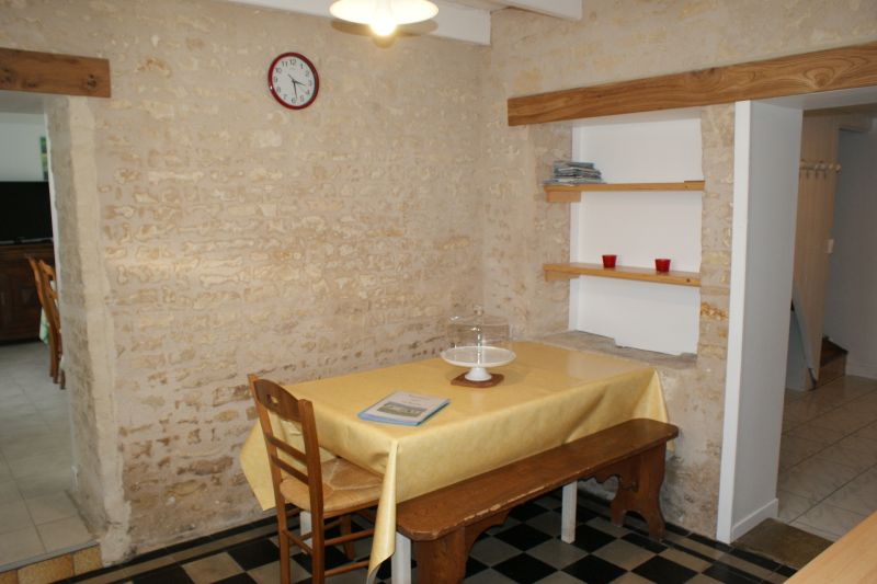 Separate kitchen Location Vacation rental 108187 La Rochelle
