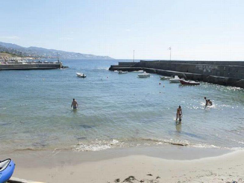 Beach Location Apartment 115320 Sanremo