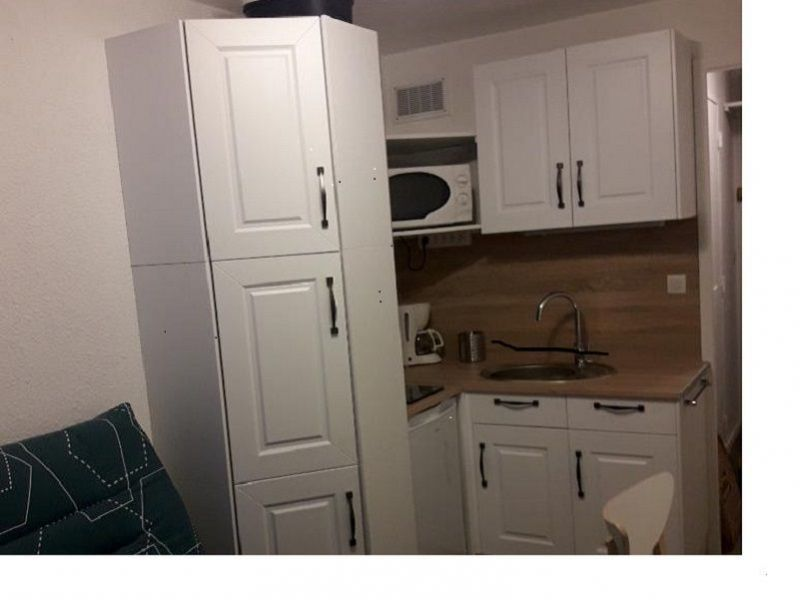 Kitchenette Location One-room apartment 119307 Le Corbier