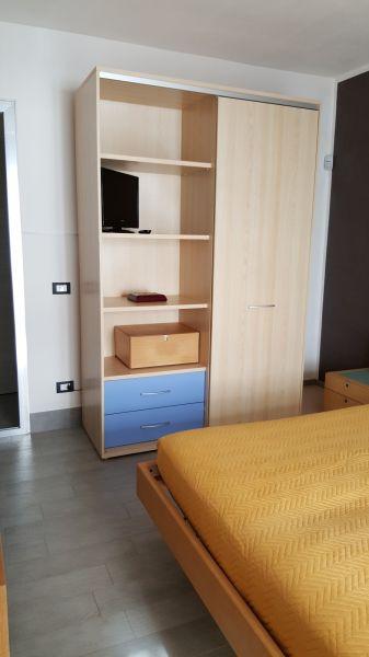 bedroom 2 Location Apartment 63992 Tre Fontane
