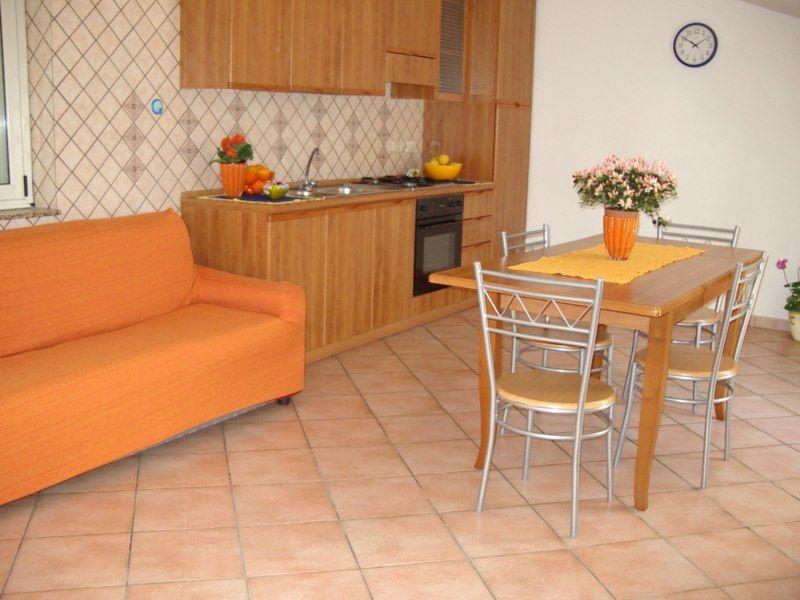 Open-plan kitchen Location Apartment 76421 Capo d'Orlando