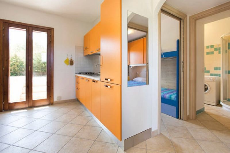 Open-plan kitchen Location Apartment 80778 Badesi