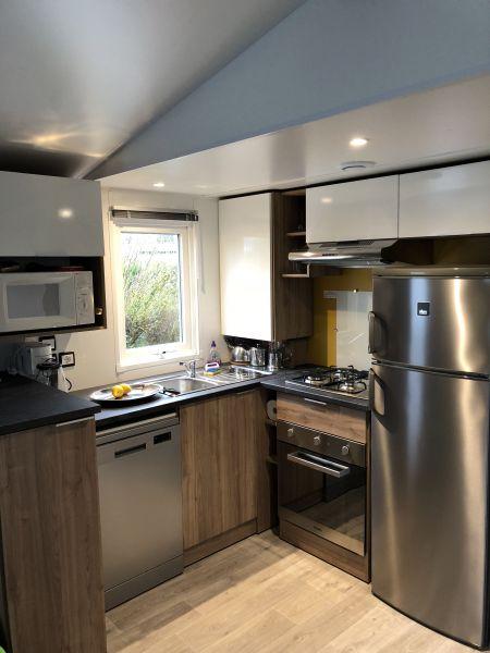 Open-plan kitchen Location Mobile home 80969 La Palmyre