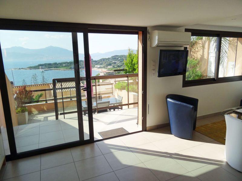 Hall Location Apartment 111942 Porticcio