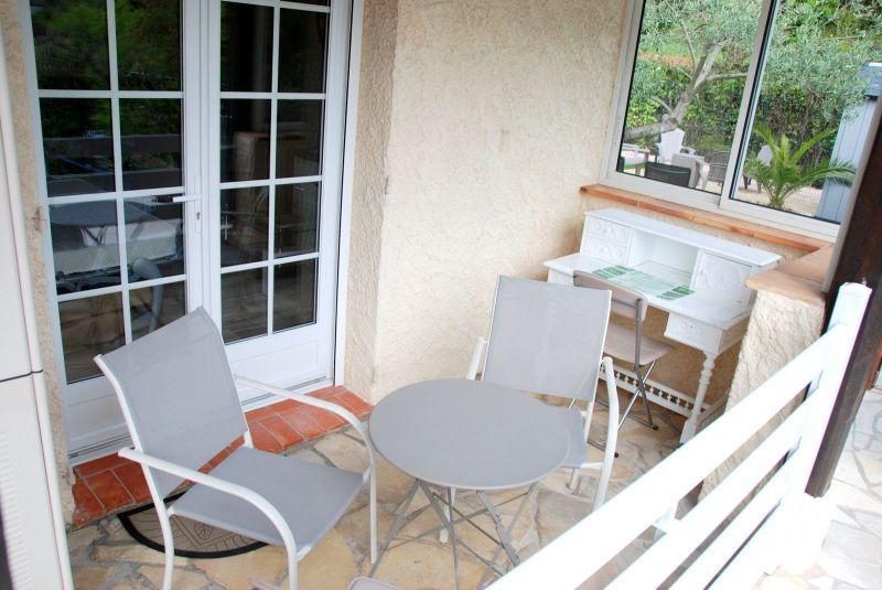 Covered balcony Location Vacation rental 112877 Cannes