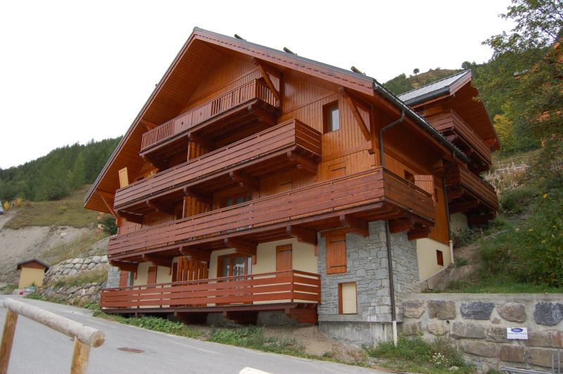 View of the property from outside Location Apartment 117722 Valloire