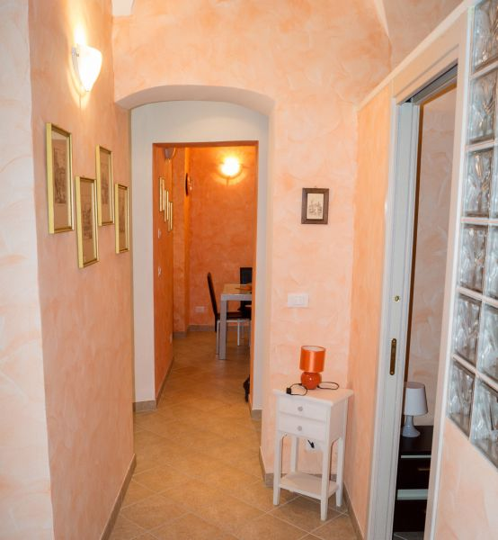 Hall Location Apartment 79637 Bordighera