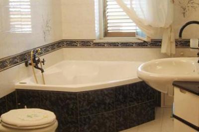 bathroom Location Apartment 92286 Trappeto