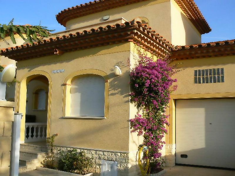View of the property from outside Location House 92760 Cambrils