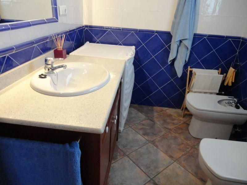 bathroom 2 Location House 92760 Cambrils
