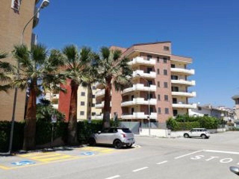 Location Apartment 93590 Alba Adriatica