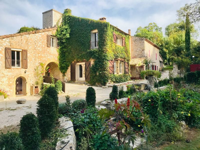 Location House 93999 Aix en Provence