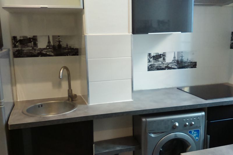Separate kitchen Location One-room apartment 97687 Nice
