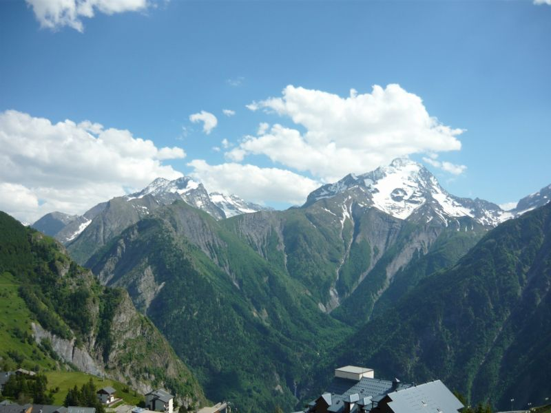 View of the property from outside Location One-room apartment 100442 Les 2 Alpes
