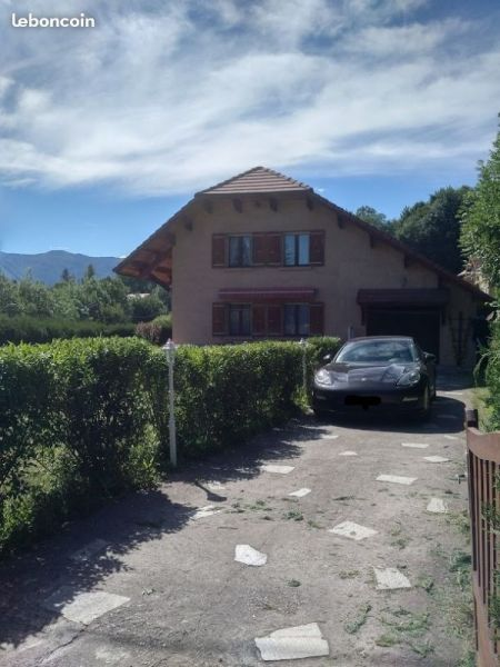 View of the property from outside Location Villa 115667 Gap