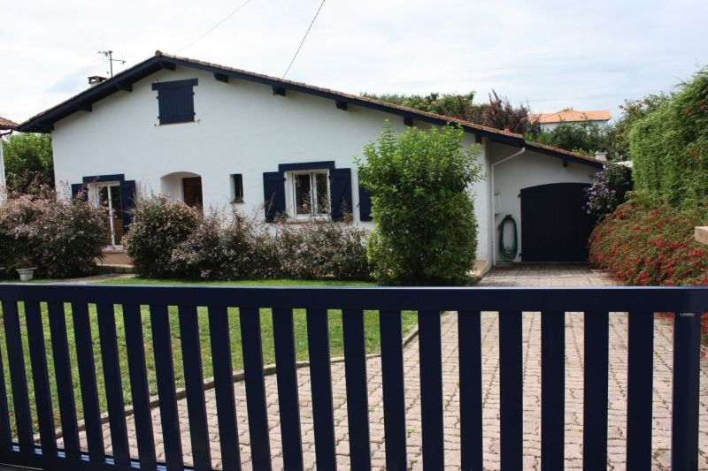 View of the property from outside Location Villa 116576 Hendaye