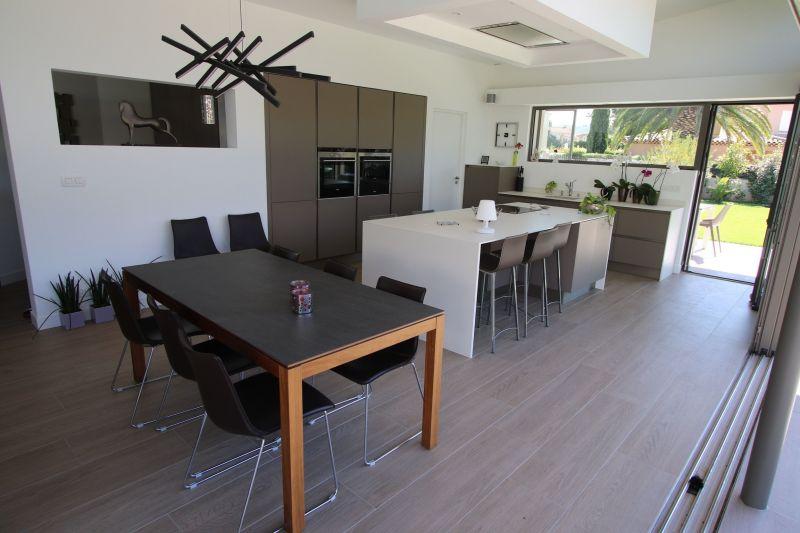 Open-plan kitchen Location Villa 118107 Saint Cyr sur Mer