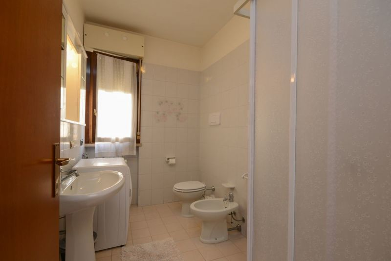 bathroom Location Apartment 69665 Sirmione