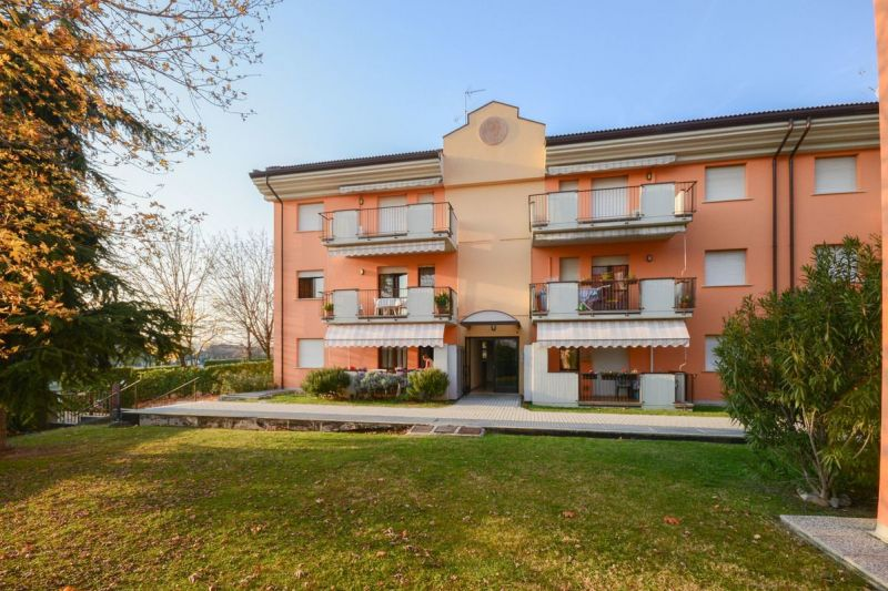 Hall Location Apartment 69665 Sirmione
