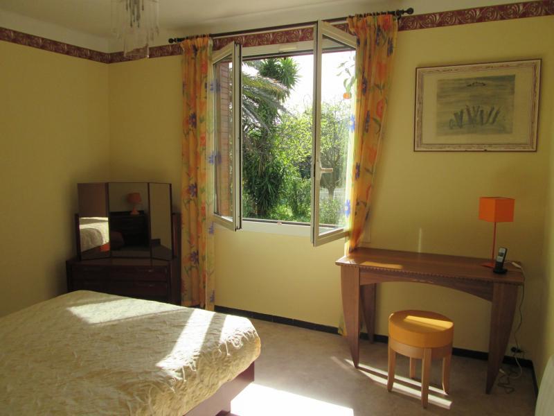 bedroom 2 Location Villa 71753 Hyères