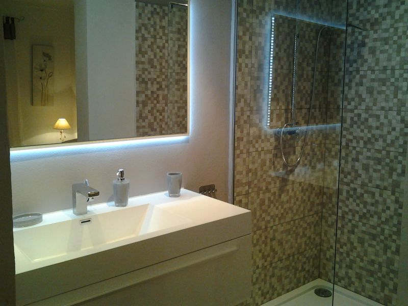 Half bath Location Apartment 93460 Saint Tropez