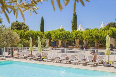 Swimming pool Location Vacation rental 100387 Collias