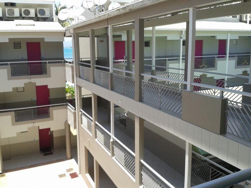 Corridor Location One-room apartment 101387 Gosier (Guadeloupe)