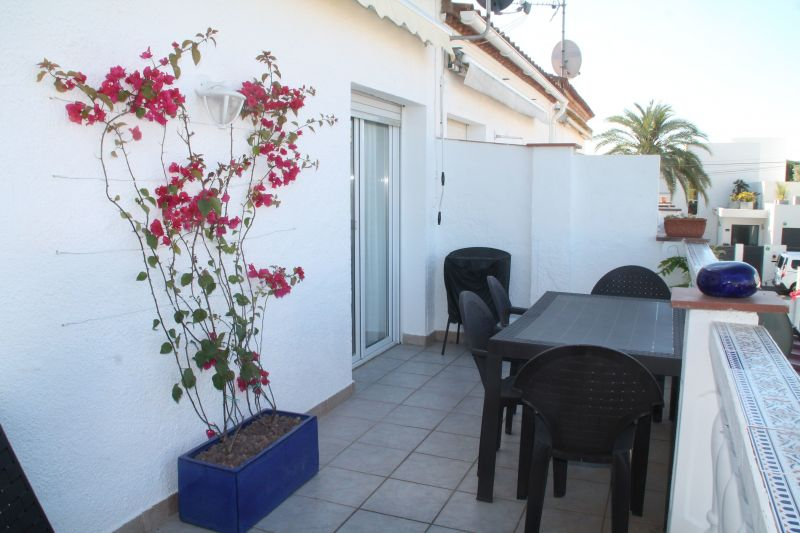 Terrace Location Apartment 109125 Empuriabrava