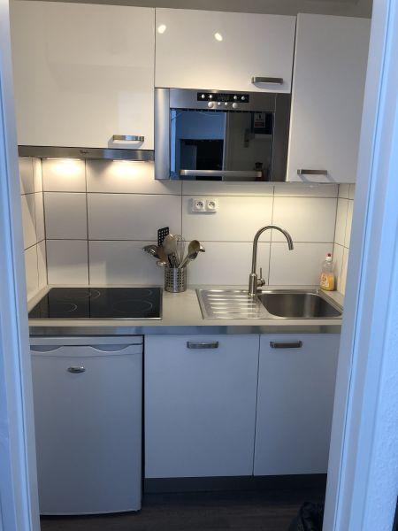 Separate kitchen Location Apartment 80072 Le Corbier