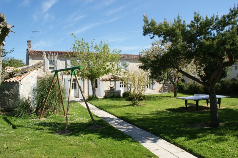 View of the property from outside Location Vacation rental 108202 La Rochelle