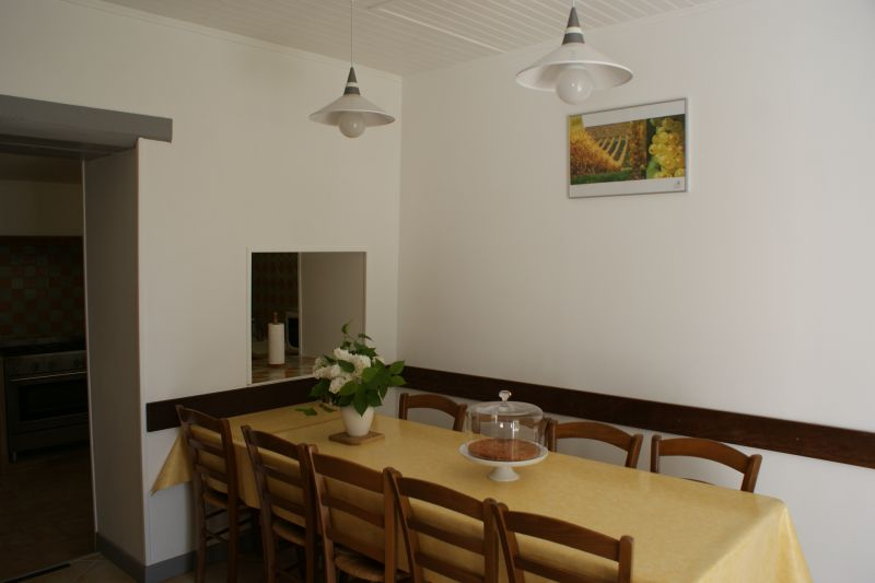 Dining room Location Vacation rental 108202 La Rochelle